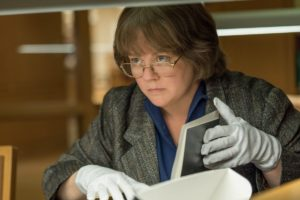 Still of Melissa McCarthy in the movie Can You Ever Forgive Me? (2018)