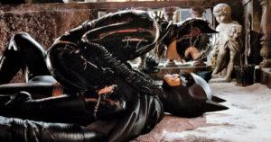 Still of Michelle Pfeiffer as Catwoman and Michael Keaton as Batman in Batman Returns.